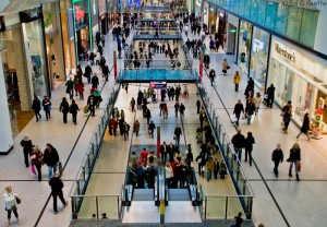 Supermercados ingleses cobrarán 5d por bolsa plástica