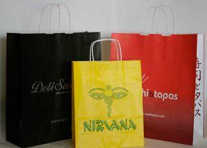 bolsas de papel economicas con logo de colores