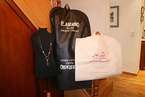 Bolsas para traje de tela impresas