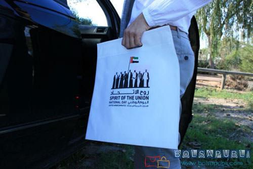 bolsas de papel con publicidad blancas
