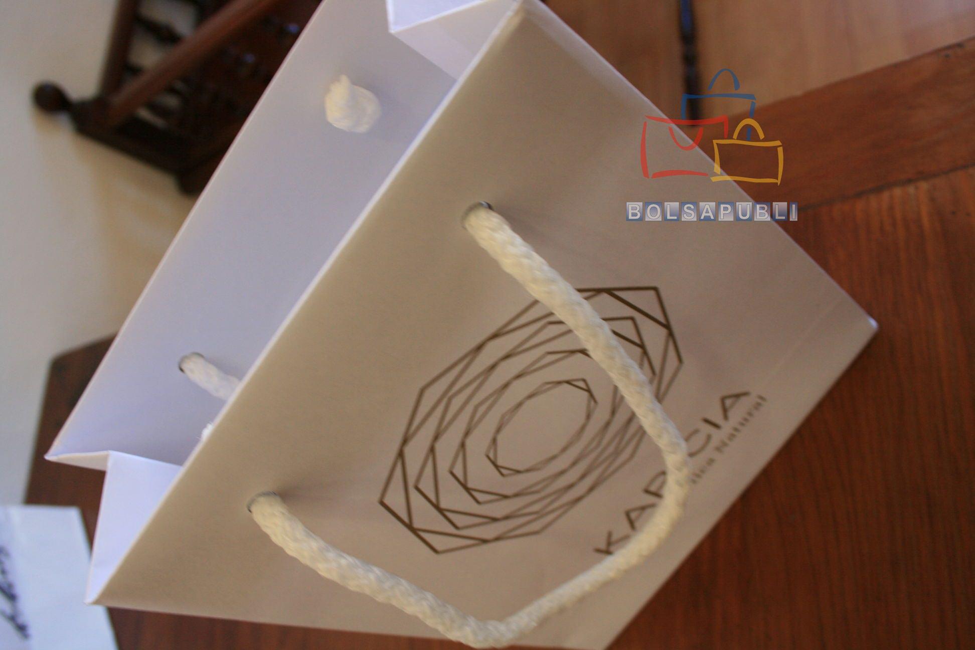 Bolsas de papel con asa