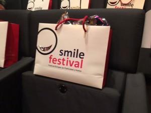 Smile festival bolsas con obsequios
