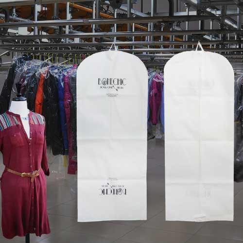 porta trajes personalizados blancos