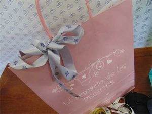 Bolsa con cinta de raso